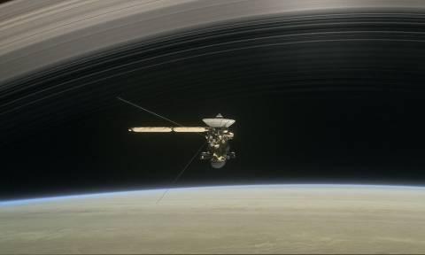 Διαστημικό σκάφος θα κάνει «βουτιά» στον Κρόνο με στόχο να συλλέξει στοιχεία και θα αυτοκαταστραφεί