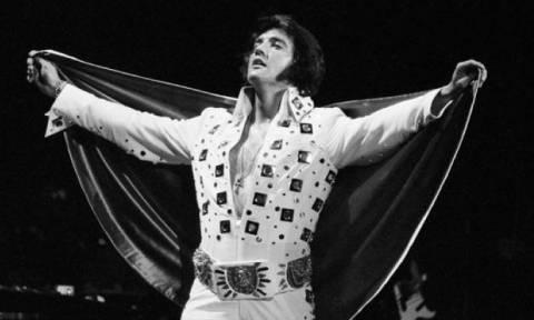 Σαν σήμερα το 1977 «έφυγε» ο «Βασιλιάς» Έλβις Πρίσλεϊ