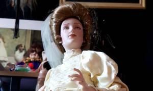 Μυστήριο: Πωλείται στο eBay δαιμονισμένη κούκλα που επιτίθεται στους ιδιοκτήτες της