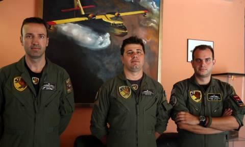 Πιλότοι Canadair: Τους αποκαλούν ήρωες, αυτοί λένε ότι απλώς κάνουν τη δουλειά τους (pics)