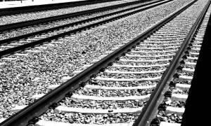 Νεκρός άνδρας που παρασύρθηκε από τρένο στα Οινόφυτα