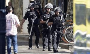 Τρομοκρατική επίθεση Βαρκελώνη: Ανθρωποκυνηγητό της αστυνομίας για να προλάβει νέο χτύπημα