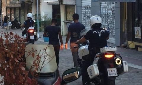 Πρωτοφανές περιστατικό στη Θεσσαλονίκη: Έδεσαν, λήστεψαν και… κούρεψαν Πακιστανούς!