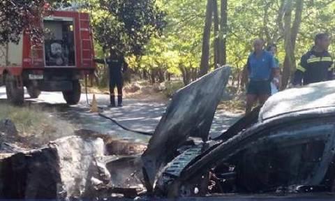 Καλάβρυτα: Αυτοκίνητο προσέκρουσε σε βράχο και έγινε στάχτη