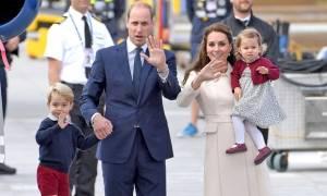 Βρετανία: Γιατί η βασιλική οικογένεια απαγορεύεται να δίνει αυτόγραφα