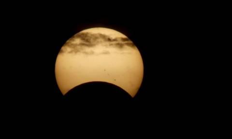Όταν οι ΗΠΑ βυθίστηκαν στο σκοτάδι - Παροξυσμός για την έκλειψη ηλίου