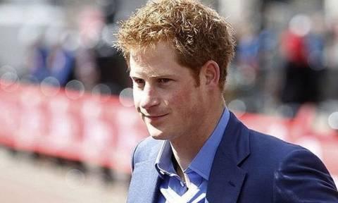Ο πρίγκιπας Χάρι ξεσπάει για πρώτη φορά για τον θάνατο της Νταϊάνα: Την φωτογράφιζαν ενώ πέθαινε