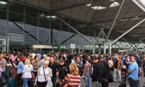 Βρετανία: Εκκενώθηκε το αεροδρόμιο του Στάνστεντ στο Λονδίνο (vid)