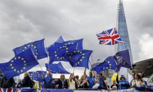 Σοκ στη Βρετανία για δεκάδες Ευρωπαίους - «Πρέπει να εγκαταλείψετε τη χώρα»