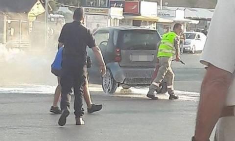 Ηράκλειο: Αυτοκίνητο τυλίχτηκε στις φλόγες στο λιμάνι