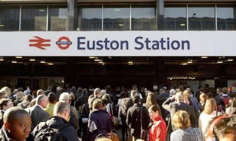 Εκκενώθηκε σταθμός τρένου στο Λονδίνο - Αποκλείστηκε αεροδρόμιο στο Λίβερπουλ (pics+vid)