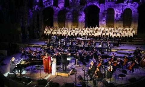 Μίκης Θεοδωράκης - Στέφανος Κορκολής: Μαγική η βραδιά στο Ηρώδειο για τα παιδιά της «ΕΛΠΙΔΑΣ»