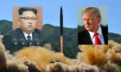 Παγκόσμιος τρόμος: Η Βόρεια Κορέα μεταφέρει διηπειρωτικό πύραυλο στις δυτικές ακτές της