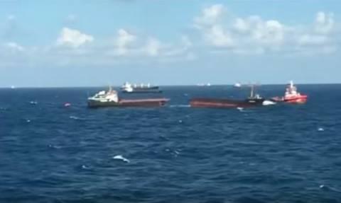 Απίστευτες εικόνες: Πλοίο κόπηκε στη μέση στη Μαύρη Θάλασσα! (vid)