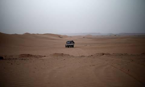 Λιβύη: Ανακαλύφθηκαν στην έρημο 16 πτώματα μεταναστών