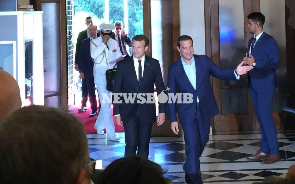 Επίσκεψη Μακρόν LIVE: Στο Σύνταγμα από στιγμή σε στιγμή ο Πρόεδρος της Γαλλίας