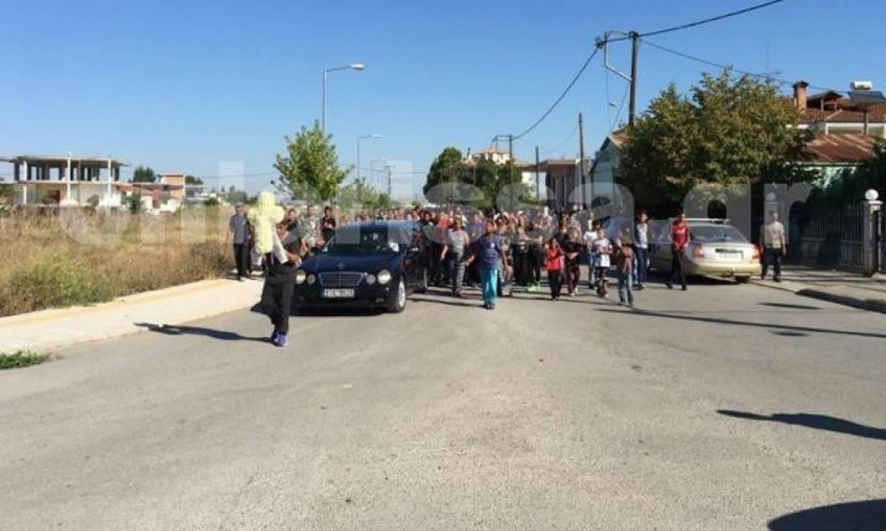 Φάρσαλα: Σπαραγμός στην κηδεία του μικρού Νίκου