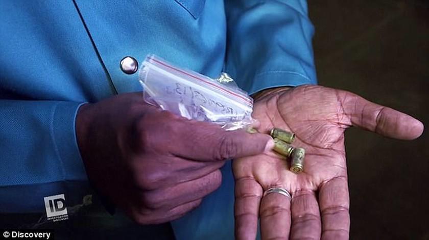 «Ο Πιστόριους ήξερε τι έκανε» αποκαλύπτει ειδικός που εξέτασε τις σφαίρες της δολοφονίας (pics+vid)