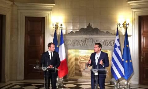 LIVE: Επίσκεψη Μακρόν - Τσίπρας: Η Ελλάδα γυρίζει σελίδα - Μακρόν: Στηρίζουμε τις επενδύσεις