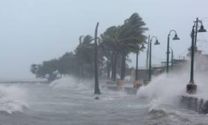 Σαρώνει ο τυφώνας Ίρμα: Τέσσερις νεκροί στις Παρθένες Νήσους των ΗΠΑ (pic+vid)