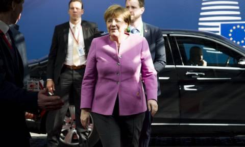 H Μέρκελ καλεί τους Τούρκους να επισκεφθούν τη Γερμανία