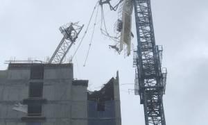 Κυκλώνας Ίρμα: Γερανός «τσακίζει» κτίριο στο Μαϊάμι (pics+vid)