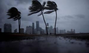 NHC: Ο κυκλώνας Ίρμα εξασθένησε στην κατηγορία 2