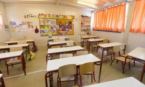 Χαμός σε Δημοτικό της Πάτρας: Γονείς δεν αφήνουν τα παιδιά τους να κάνουν μάθημα