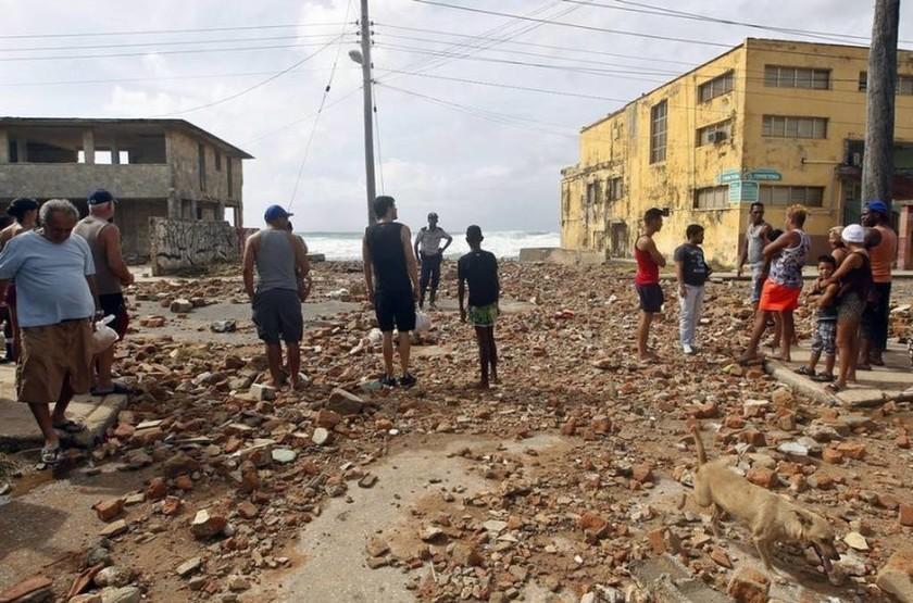 Κυκλώνας Ίρμα: Φονικό πέρασμα από την Κούβα με τουλάχιστον 10 νεκρούς (pics-video)