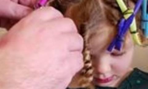 Μπαμπάς πήρε καλαμάκια κι έκανε κοτσιδάκια στην κόρη του! Την επόμενη μέρα το πρωί... (vid)