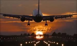 «Καταρρέει» γνωστή αεροπορική εταιρεία: 200 πιλότοι δήλωσαν ασθένεια – Δεκάδες πτήσεις ακυρώνονται