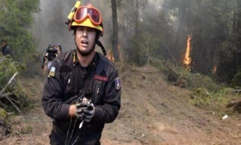 Απίστευτη καταγγελία για τον πυροσβέστη - «ήρωα» της Αττικής: Ποιος είναι στην πραγματικότητα;