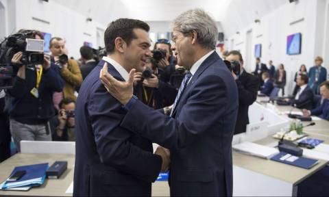 Τετ-α-τετ Τσίπρα - Τζεντιλόνι στην Κέρκυρα για τις αλλαγές στην ευρωζώνη
