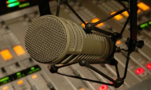 Θρήνος: Πέθανε γνωστός Έλληνας ραδιοφωνικός παραγωγός (pic)