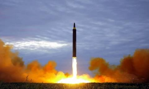 Ο πύραυλος της Βόρειας Κορέας πέρασε πάνω από την Ιαπωνία και κατέπεσε στον Ειρηνικό Ωκεανό