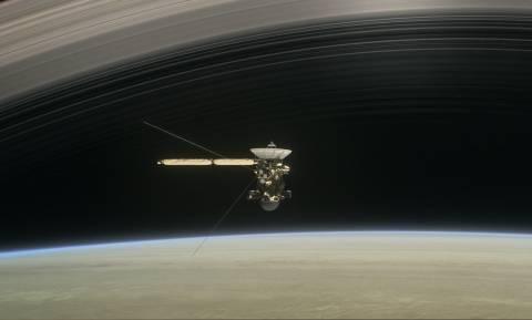 Σήμερα το Cassini... αυτοκτονεί στον Κρόνο