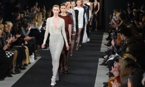 Αυτή είναι η πιο... ερωτική κολεξιόν στην Εβδομάδα Μόδας της Νέας Υόρκης! (pics)