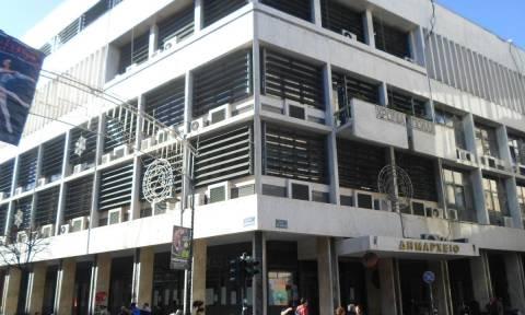 Λάρισα: Κινητοποιήσεις και κατάληψη του αμαξοστασίου από συμβασιούχους των δήμων του νομού