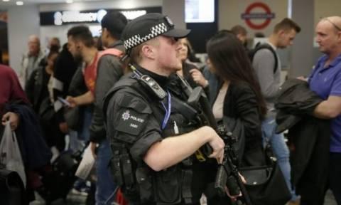Λονδίνο: Συνελήφθη 18χρονος ύποπτος για την τρομοκρατική επίθεση στο μετρό