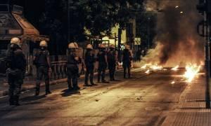 Νέα νύχτα επεισοδίων στα Εξάρχεια: Επιθέσεις με μολότοφ κατά διμοιριών ΜΑΤ