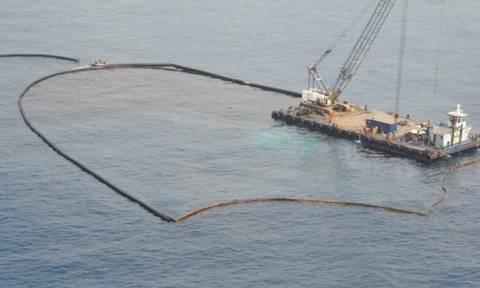 Συγκέντρωση διαμαρτυρίας της ΠΕΝΕΝ για το ναυάγιο του «Αγ. Ζώνη ΙΙ» στο υπ. Ναυτιλίας