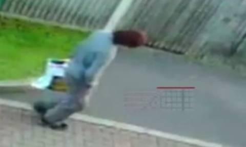 Βίντεο ντοκουμέντο: Είναι αυτός ο τρομοκράτης που αιματοκύλισε το μετρό του Λονδίνου;