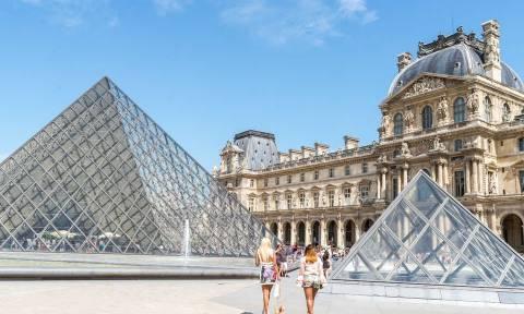 Παρίσι: Εκκενώθηκε το Λούβρο έπειτα από συναγερμό για φωτιά