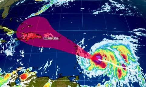 Κυκλώνας Μαρία: Έφτασε στην υψηλότερη κατηγορία και πλήττει τη Δομινίκα (vid)