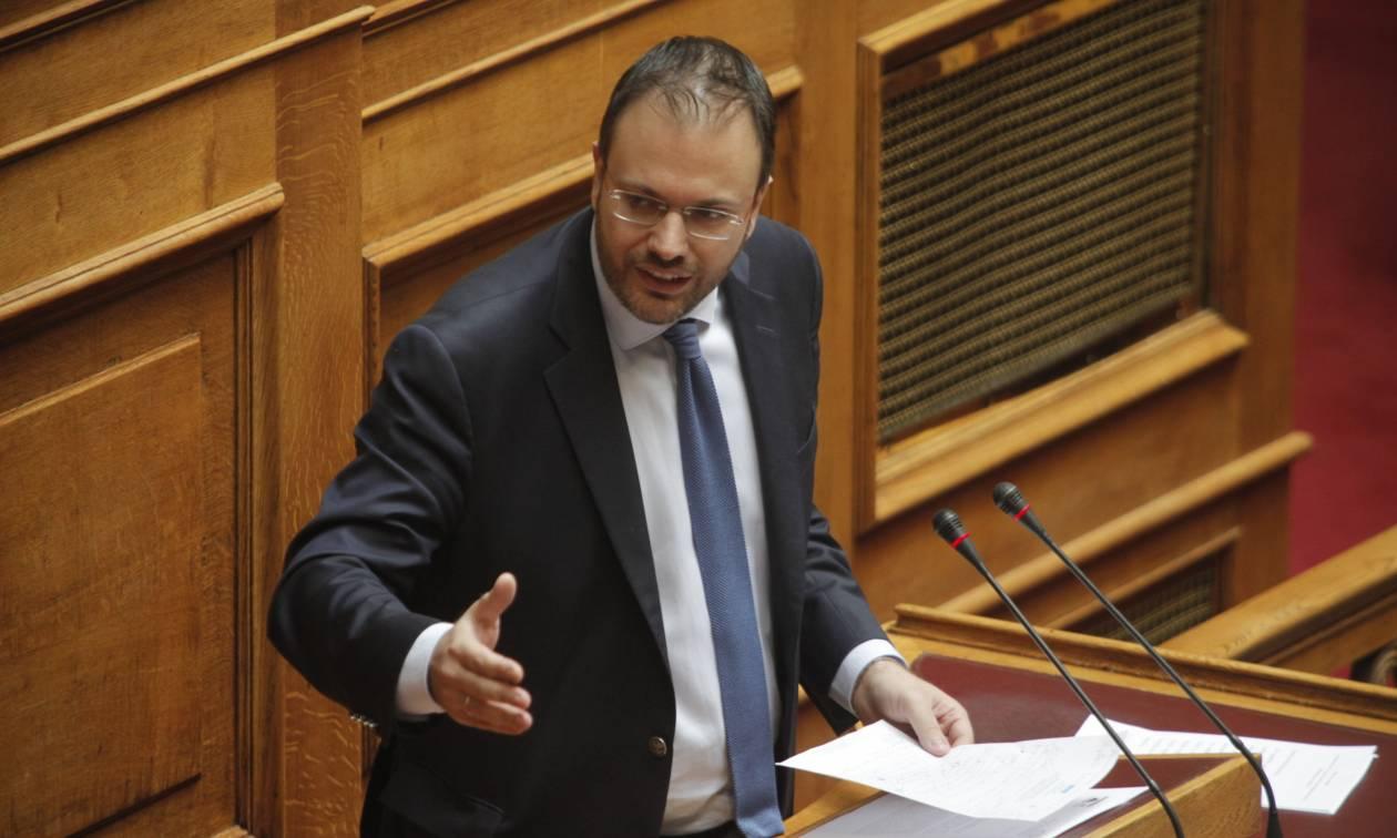 Βουλή: Ερώτηση Θεοχαρόπουλου σε Κουρουμπλή για την πετρελαιοκηλίδα στον Σαρωνικό