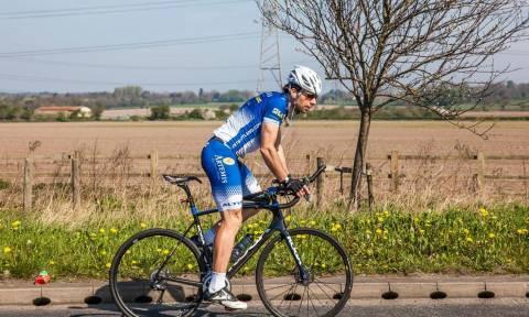 Παγκόσμιο ρεκόρ: Ο ποδηλάτης που έκανε τον γύρο του κόσμου σε 79 ημέρες (vid)