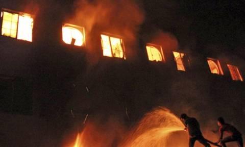 Φρίκη στο Μπαγκλαντές: Έξι εργάτες κάηκαν ζωντανοί σε εργοστάσιο υφαντουργίας