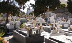 Απίστευτο περιστατικό σε νεκροταφείο στην Κρήτη! Οι εικόνες που κάνουν το γύρο του Διαδικτύου