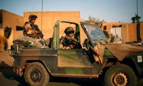 Νεκρός Γάλλος αλεξιπτωτιστής στα σύνορα Συρίας - Ιράκ