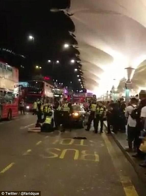 Τρόμος στο Λονδίνο: Επίθεση με τοξική ουσία σε εμπορικό κέντρο - Έξι τραυματίες (pics&vids)